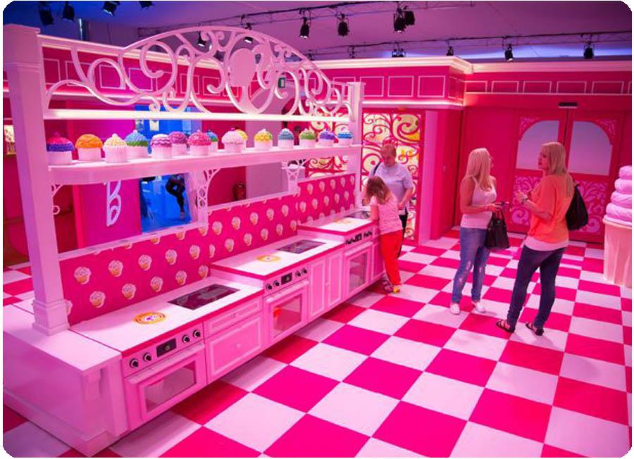 Weird And Wonderful Barbie 39 S Dream House Love Home Swap