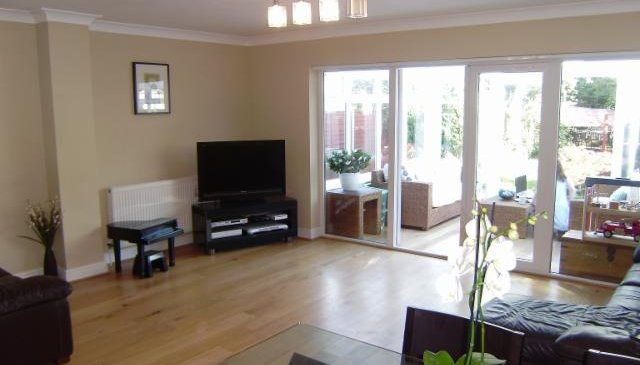 Four Bedroom Individual Home Close to Stratford Olympic Venues