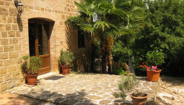 Idyllic Italian farmhouse, perfect for familys and friends.