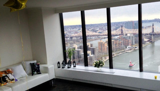 Newly renovated amazing apartment with stunning views of NYC. Floor 46th