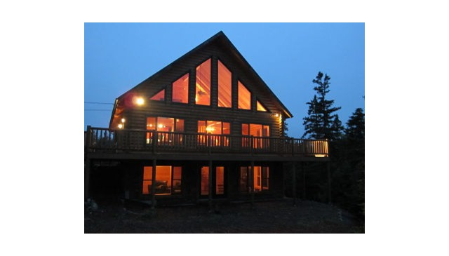 Elegant Oceanfront Log Lodge