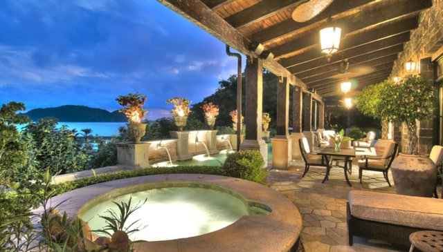 Stunning retreat with courtyard, guest house, pool & ocean views