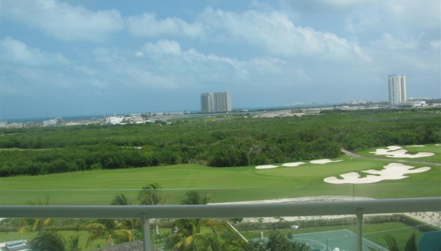 Beautiful, New 2 BD/2.5 BA Overlooking Golf Course & Ocean