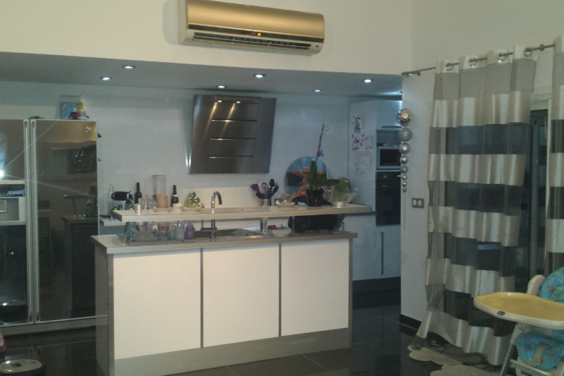 Incroyable appartement design 15th arrondissement of for Appartement design marseille